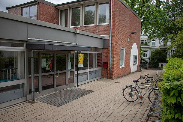Eingangsbereich des Wilhelm-Gymnasiums