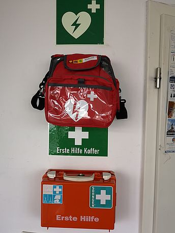 AED verpackt