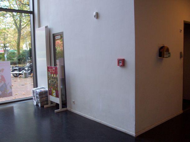Eingangsbereich mit Aed